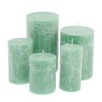Bougies teintées dans la masse, vert clair différentes tailles